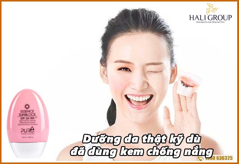 Dưỡng da thật kỹ khi sử dụng kem chống nắng